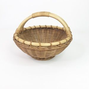 Vintage whicker and rattan fruit basket